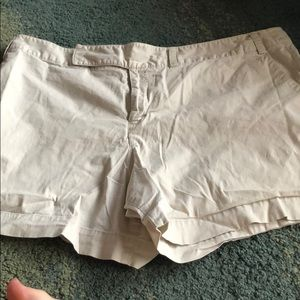 Mossimo stretch 20W off white shorts